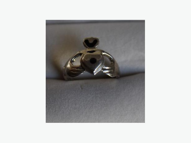 Sterling Silver Claddagh Ring  with Black Onyx Accents Size 6