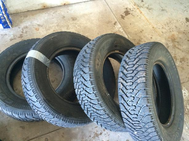 4 GOOD YEAR  STUDDED TIRE'S  205/70/15
