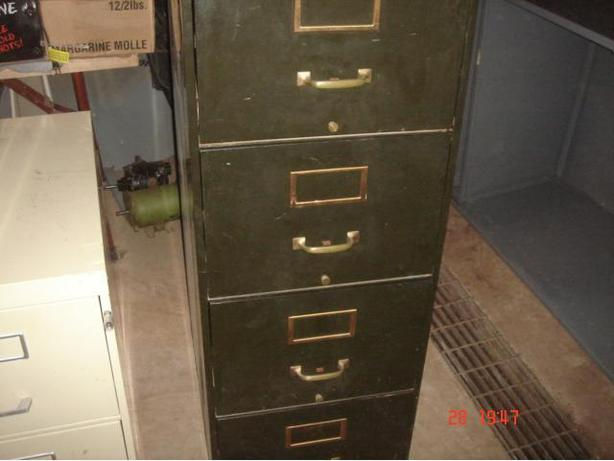 4 Drawer Filing Cabinet.
