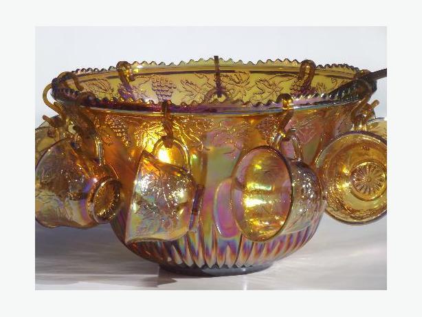 Vintage Indiana Iridescent Carnival Glass Harvest Grape Gold Punch Bowl Set