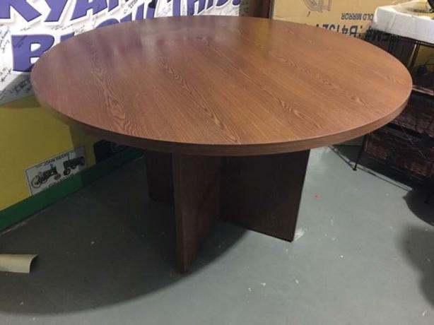 Round Table  $45