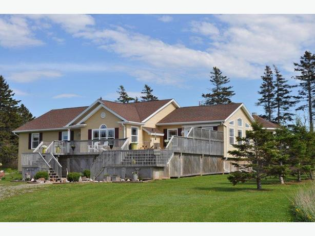 Executive Home – Retirement Dream In PEI
