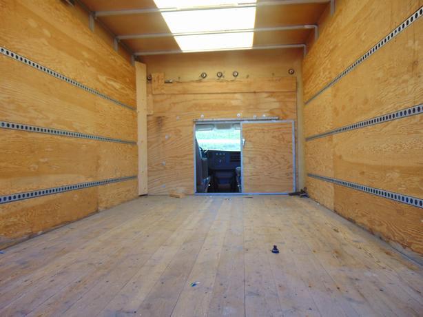 2010 Chevrolet Express Cube Van 14 ft box