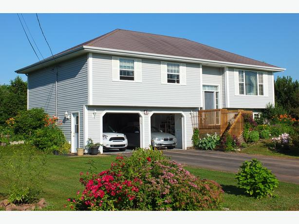 House for Sale in Stratford, PEI