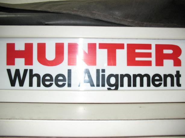 Hunter 4 wheel alignment machine