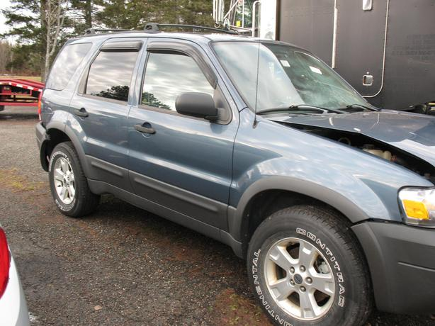 Scraping for parts 2005 Ford escape 4x4