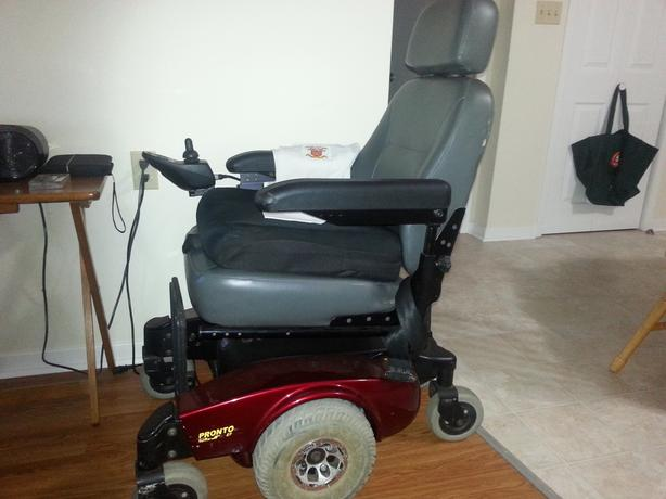 One Electric wheel chair