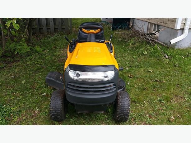Price Reduced- Poulan Pro 19.5hp 42inch Lawn Tractor