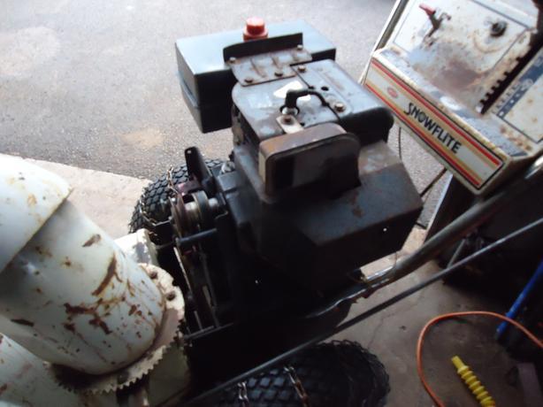 8 HP MTD Snowblower For Parts, Good Motor