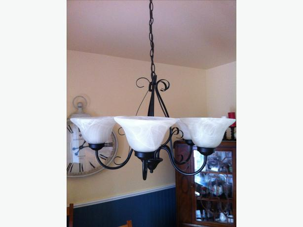 3 kitchen light fixtures