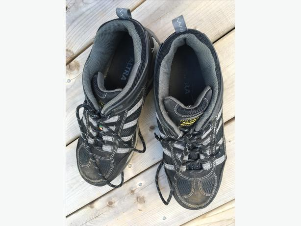 Safety Shoes (steel toe) - CSA approved