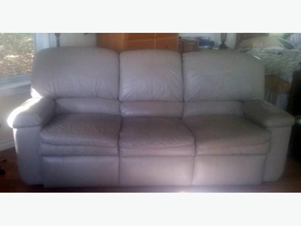 LA-Z-Boy (Leather) Sofa
