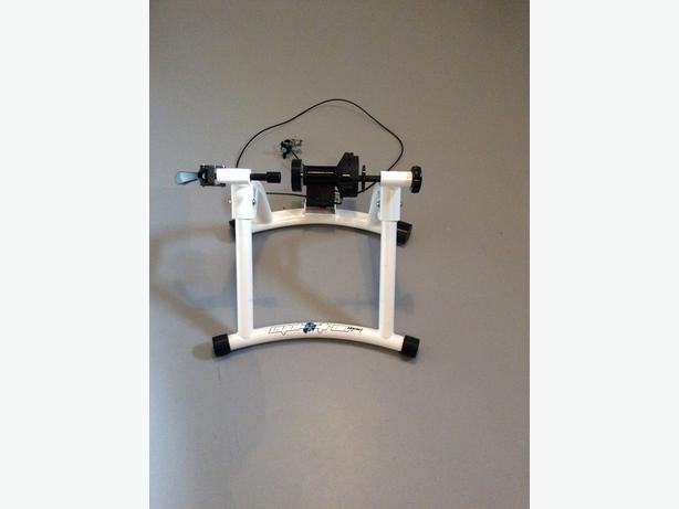BICYCLE TRAINER FOR INDOORS