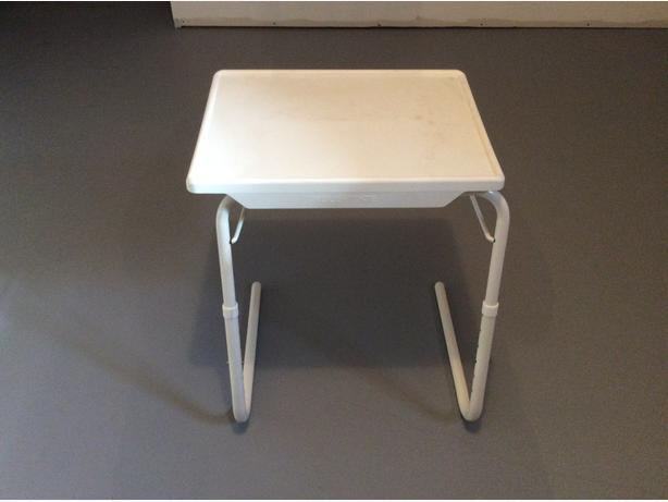POSITIONAL SIDE TABLE