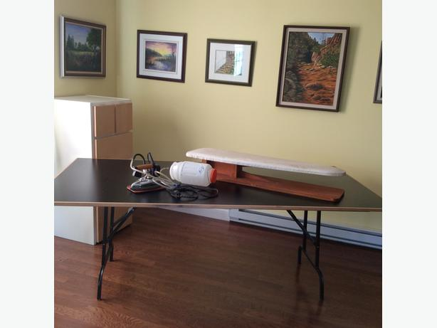 Sewing/cutting/craft table
