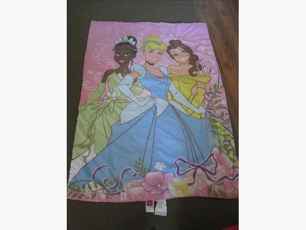 Princess comforter & sheet set - toddler bed size