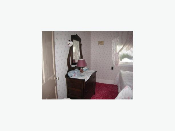 Bureau with mirror