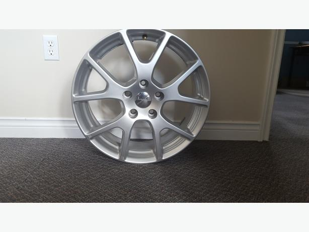 19 in Brand new Dodge Journey wheels
