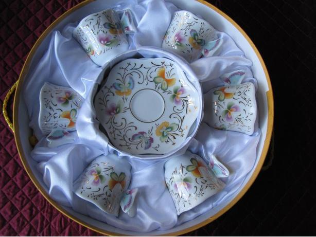 6 PIECE SET OF DEMI-TASSE CUP AND SAUCER SET