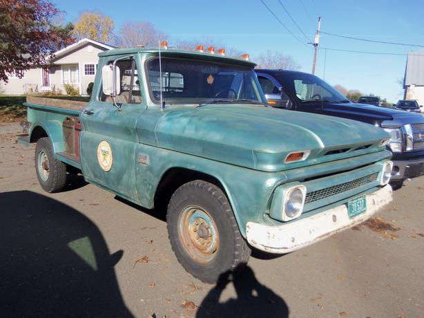 1966 CHEVROLET C20 3/4 TON !! REAR WHEEL DRIVE !!