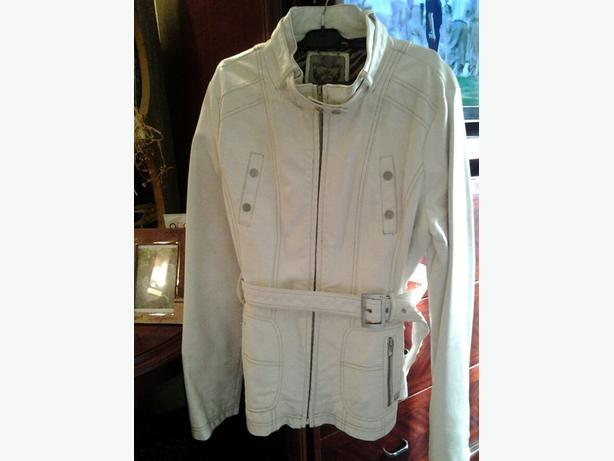 Point Zero Ladies Jacket*** LIKE NEW Lg Ladies Denim Jacket $25