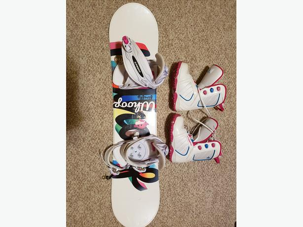 Girls Firefly 110cm snowboard with bindings and boots