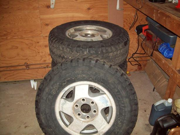 90s Chevy 4x4 rims and winter tires