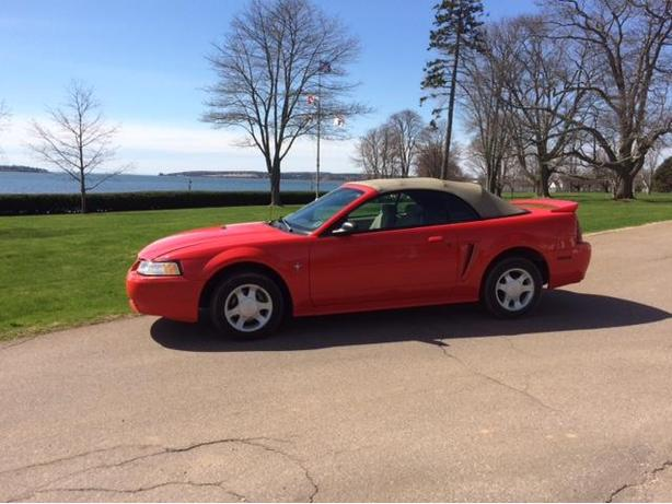 2000 FORD MUSTANG CONVERTIBLE, ONLY 73,000 KLMS ON CAR