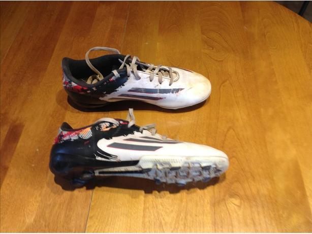 Cleats size 6 Addidas junior Messi