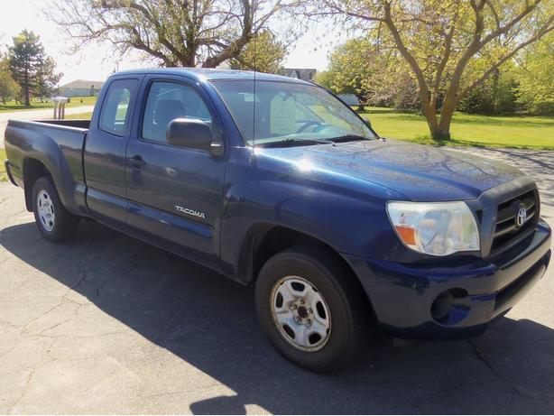 2008 TOYOTA TACOMA ACCESS CAB 2WD !! 101,000 KMS !!