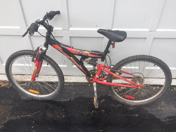"""Used Supercycle XTi18 DS Boys 18"""" Full Suspension Mountain Bike"""