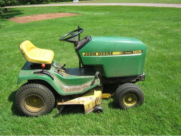 John Deere Ride on Lawnmower