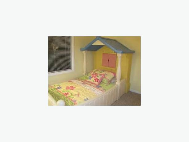 Girls Barbie Playhouse Bed