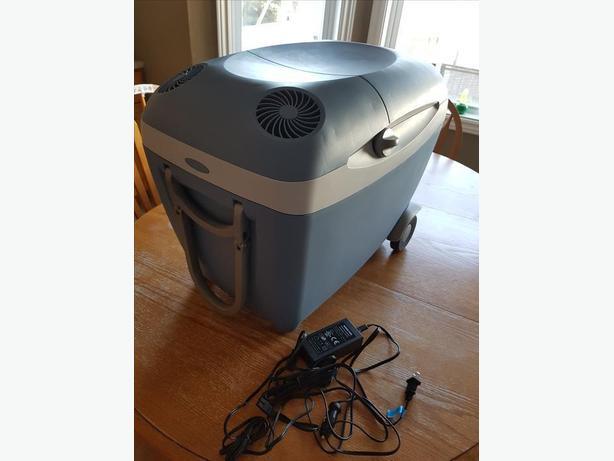 Mobicool Power Cooler/Warmer