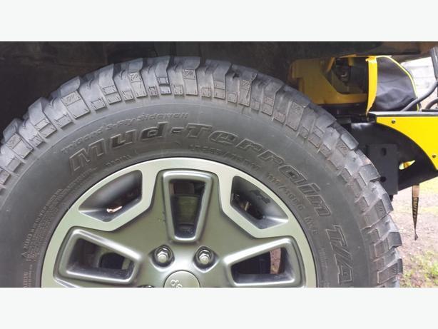 "Jeep Rubicon 17"" tires"
