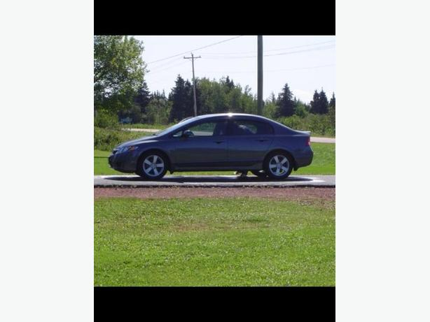 2009 Honda Civic lady driven excellent condition. $6800 if sold by Friday