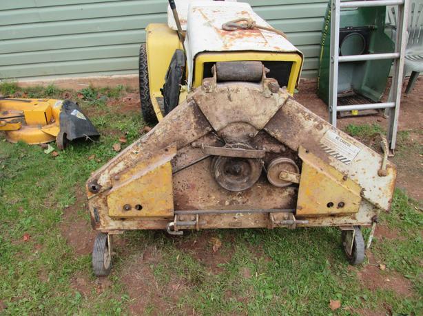 Cub Cadet 14hp. Garden Tractor ( heavy duty Trans.)