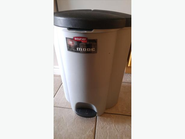 LARGE WASTE CAN