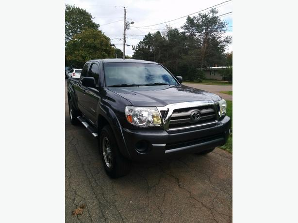 NEW PRICE! 2010 Toyota Tacoma in excellent condition